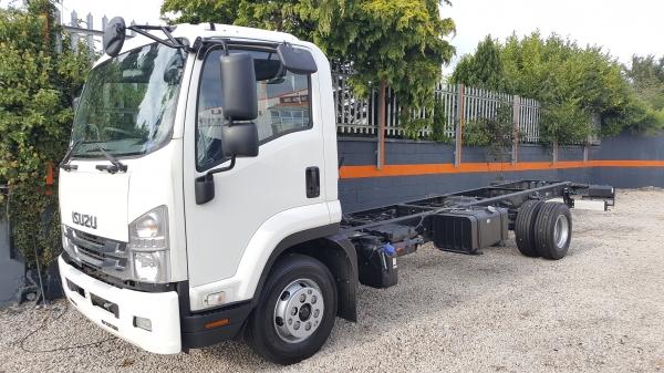 2021 Isuzu F Series 11 ton truck